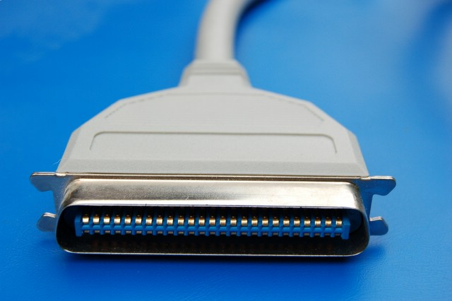 Difference Between SCSI and Parallel Port